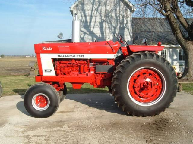 International 1466 Pulling Tractor : International series restored tractors