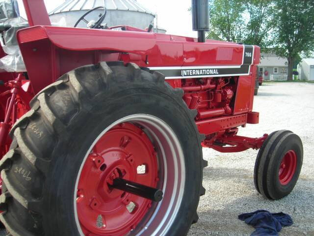 International 1066 Black Stripe : International series restored tractors